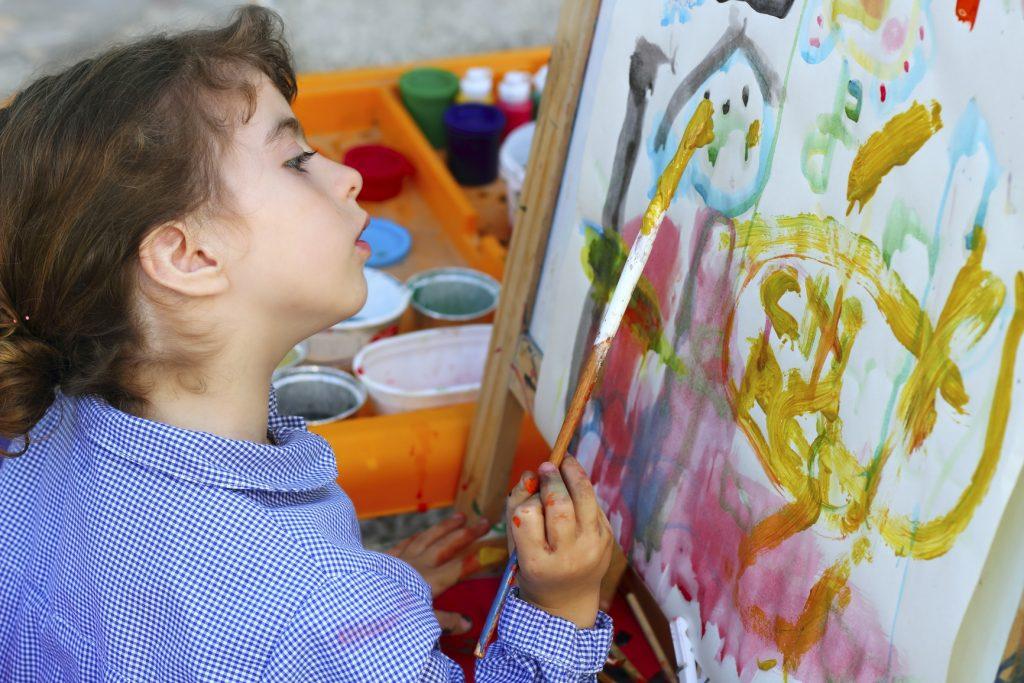 تشویق به نقاشی کردن