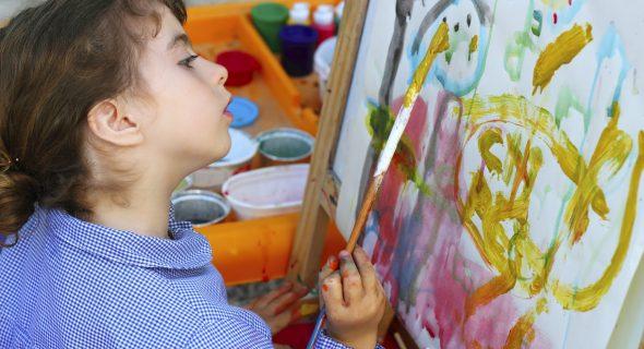 چرا کودک اصلا نقاشی نمی کشد؟