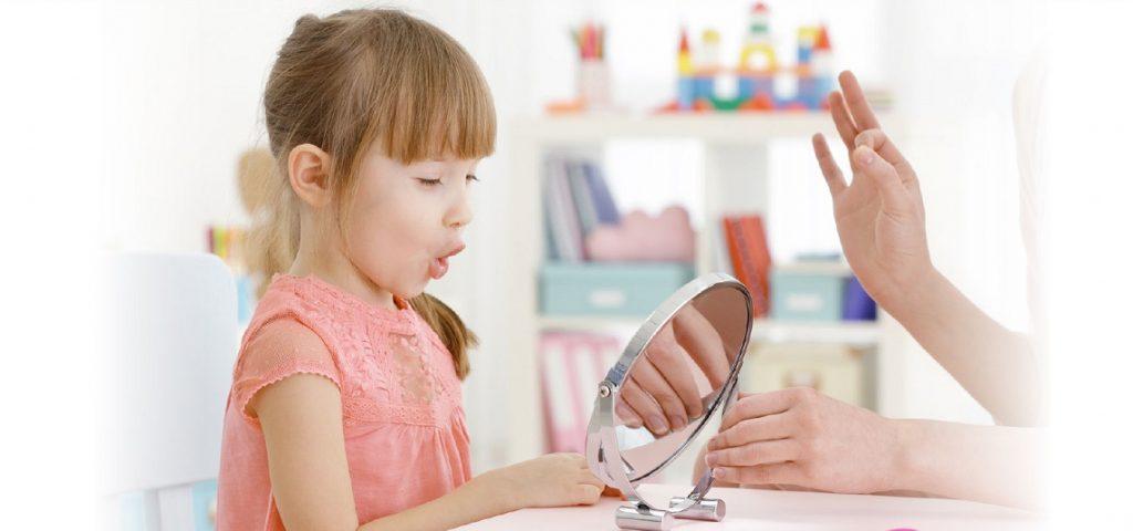 علائم لکنت زبان در کودک و رفع آن