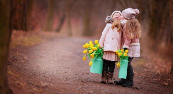 چطور به دوست یابی کودکان مان کمک کنیم